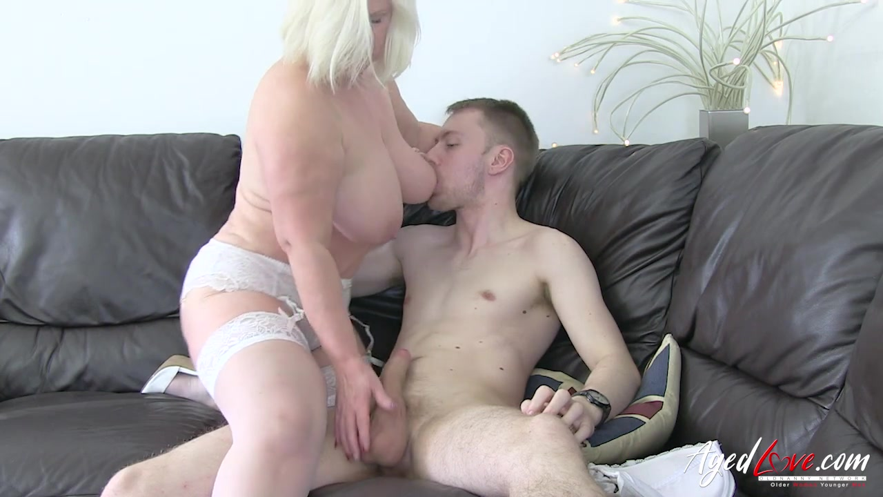 Wife Gives Morning Blowjob
