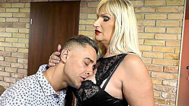Dominant mature wants her nephew's dick in a rough femdom play