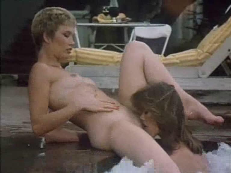 Hot Lesbian Kissing Big Tits