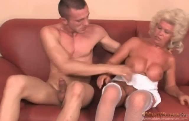 Teen chearleader pussy slip