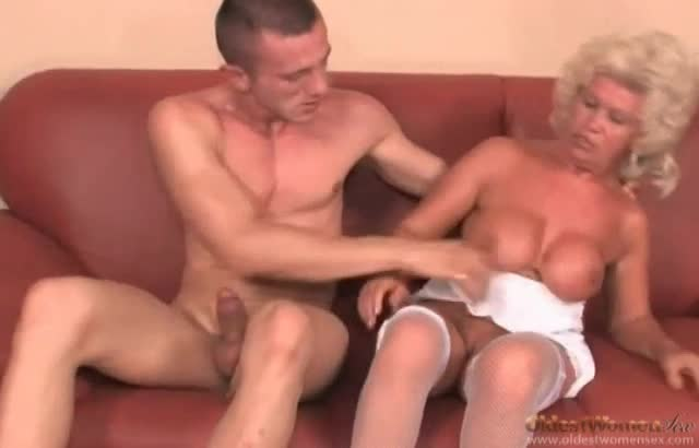 Fucking mature mom pantyhose
